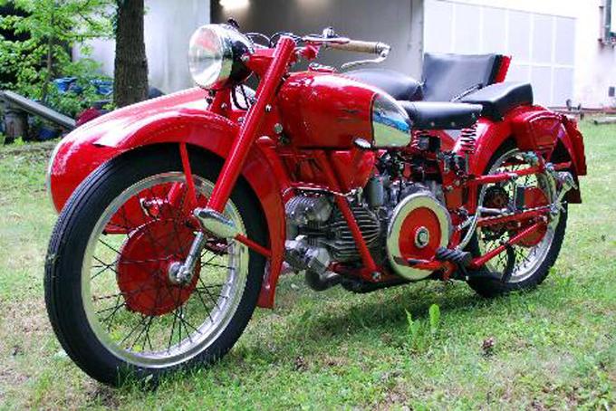 Moto Guzzi Falcone, anno 1953